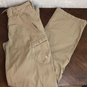 THE NORTH FACE Convertible Hiking Pants in khaki!